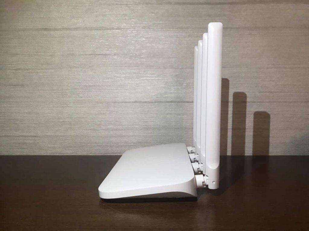 Права сторона роутеру Xiaomi Mi WiFi Router 4a